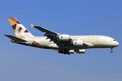 Etihad Airways  Airbus A380-861 A6-API (widebodies) Tags: london heathrow lhr egll widebody widebodies plane aircraft flughafen airport flugzeug flugzeugbilder etihad airways airbus a380861 a6api