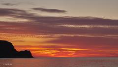 Amanecer en P. N. Cabo de Gata (Toni de Ros) Tags: cabodegata laisletadelmoro amanecer sunrise marina mediterraneo mar costa sol sun clouds nubes