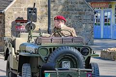 World War II Home Front (grab a pic) Tags: canoneos5dmarkiv canon eos 5d britain uk england derbyshire crich crichtramwayvilage 1940sweekend 2019 reenactment livinghistory war worldwar2 ww2 wwii 1940s oldfashioned vintage man uniform jeep para paratroopregiment