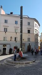Linz - Austria (Been Around) Tags: lichtbrunnen hofberg altstadt linzanderdonau linz oberösterreich upperaustria eu europe europa österreich austria beenaround brunnen stadt pflaster altstadtlinz