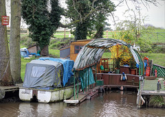 Wet and Dry Dock, Canal, Alvechurch (alanhitchcock49) Tags: birminghamandworcestercanal green alvechurch 13 april 2019 boats 50th anniversary of the birmingham worcester canals society withybed droitwich