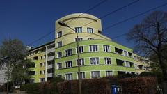 1996 Berlin Wohnanlage Grünauer Straße 129-135 in 12557 Köpenick (Bergfels) Tags: architekturführer bergfels 1996 1990er 20jh nach1989 berlin wohnanlage mfh siedlung 5et rundeecke grünauerstrase dahemufer 12557 köpenick beschriftet