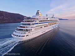 Aidaaura (Bergenships) Tags: aidaaura aida aidacruises cruise cruiseship ship cruiseskip kreuzfahrt kreuzfahrtschiff hardanger hardangerfjord eidfjord rosendal norge norway travel drone