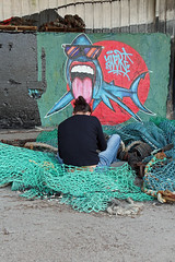 T' as de beaux ch'veux (Arnadel) Tags: requin tags port portdepeche lelégue stbrieuc bretagne streetart shark fishingport thelegue brittany