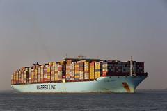 MUNKEBO MAERSK (angelo vlassenrood) Tags: ship vessel nederland netherlands photo shoot shot photoshot picture westerschelde boot schip canon angelo walsoorden cargo container munkebomaersk