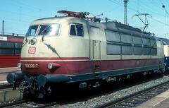103 226  Dortmund Hbf  29.06.93 (w. + h. brutzer) Tags: dortmund eisenbahn eisenbahnen train trains deutschland germany elok eloks railway lokomotive locomotive zug 103 db webru e03 analog nikon