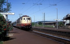 103 226  Sinzig ( Rh )  22.05.93 (w. + h. brutzer) Tags: sinzigrh eisenbahn eisenbahnen train trains deutschland germany elok eloks railway lokomotive locomotive zug 103 db webru e03 analog nikon