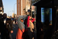 London 2019 (tuti_s11) Tags: streetphotography streetphoto fujifilmxseries fujifilmx100f fotografiacallejera fotografiaurbana colourphotography candidphotography women