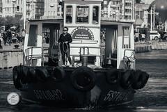 DSC05652 (Jesús Hermosa) Tags: 75300mm agua bn bw bahia barco bay blancoynegro cantabria españa gente mar people santander sea ship sonya200 sonyalpha spain water