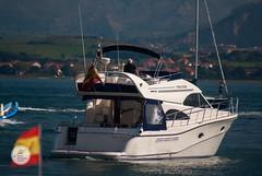 DSC05676 (Jesús Hermosa) Tags: 75300mm agua bahia barco bay cantabria españa gente mar people santander sea ship sonya200 sonyalpha spain water