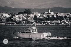 DSC05695 (Jesús Hermosa) Tags: 75300mm agua bn bw bahia barco bay blancoynegro cantabria españa gente mar people santander sea ship sonya200 sonyalpha spain water