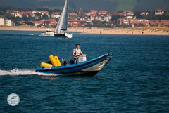 DSC05698 (Jesús Hermosa) Tags: 75300mm agua bahia barco bay cantabria españa gente mar people sail sailboat sailing santander sea ship sonya200 sonyalpha spain velero water