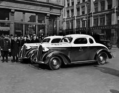 Inspección de nuevos vehículos de policía en Nueva York, 1938 (Txemari - Argazki.) Tags: