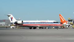 P9021307 TRUDEAU (hex1952) Tags: yul trudeau usa bombardier crj crj200 americanairlines americaneagle