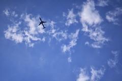 Cruzando (José Ramón de Lothlórien) Tags: aire cielo avion volar plante nubes sky