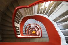 Yellow dot (Elbmaedchen) Tags: staircase stairs stairwell stufen steps spirale spiral escaliers escaleras wendeltreppe upanddownstairs downstairs roundandround rotweis