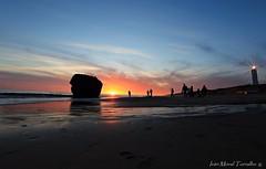 Matalascañas (ivánmoral) Tags: matalascañas huelva playa atardecer ocaso sol puestadesol canon6d canon1635mm panorámica faro