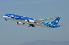 "Air Tahiti Nui 787-900 Dreamliner ""TUPAIA"" (F-ONUI) LAX Takeoff 2 (hsckcwong) Tags: airtahitinui 787900 7879 787 dreamliner fonui tupaia lax klax"