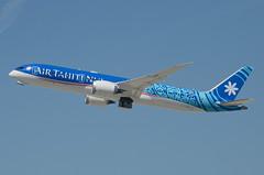 "Air Tahiti Nui 787-900 Dreamliner ""TUPAIA"" (F-ONUI) LAX Takeoff 3 (hsckcwong) Tags: airtahitinui 787900 7879 787 dreamliner fonui tupaia lax klax"