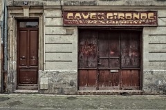 Le cave ! (Isa-belle33) Tags: architecture urban urbain city ville boutique shop magasin storefront old ancien abandoned bordeaux fujifilm street streetphotography door porte