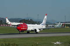 Norwegian - LN-NGD - B737-800 (Aviation & Maritime) Tags: lnngd norwegian norwegianairshuttle norshuttle boeing boeing737 b737 b737800 boeing737800 bgo enbr bergenairportflesland bergenlufthavnflesland bergen flesland