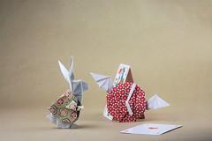 """Oh dear ! Oh dear ! I shall be too late !"" (pierreyvesgallard) Tags: origami white rabbit wonderland keigo matsuda tempus fugit jeremy shafer bunny animal clock card paper papercraft lewis carroll cartoon"