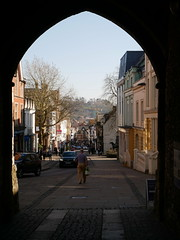 Winchester - looking through the Westgate (Dubris) Tags: england hampshire winchester architecture building arch westgate