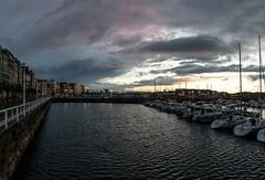 Tras la lluvia (David A.L.) Tags: asturias asturies gijón xixón puertodeportivo cielo agua barcos veleros nubes atardecer edificios