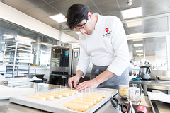 Corso di Dessert con Ettore Beligni a Scuola Tessieri #noalyacioccolatocoltivato #scuolatessieri #pasticceri #marioragona #virapastry