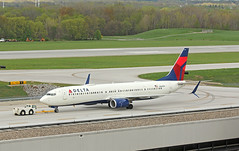 Getting a Tow (craigsanders429) Tags: deltaairlines deltaairlinesaircraft deltajets johnglenncolumbusinternationalairport 737 boeing737 737900 aircraft airlines airliners airports jet jetliner