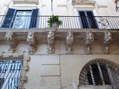 Lecce (Apulia-Italia). Palacio Falconieri. Detalle de la fachada (santi abella) Tags: lecce apulia puglia italia