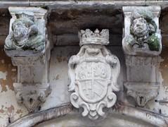Lecce (Apulia-Italia).  Vía Giuseppe Palmieri. Palacio de Rinaldis. Escudo (santi abella) Tags: lecce apulia puglia italia heráldica escudos