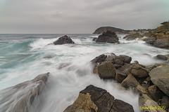 LLeventada. (Ernest Bech) Tags: catalunya girona baixempordà palamòs mar sea lleventada rocks roques seascape landscape longexposure llargaexposició llums lights l