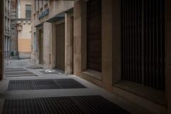 Life Metal (FButzi) Tags: genova genoa liguria italy italia metal building light dark