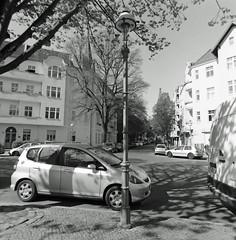 Berlin Neukölln letzte Gaslaternen 21.4.2019 (rieblinga) Tags: berlin neukölln letzte gaslaternen gasag strasenbeleuchtung analog rollei 6008 ilford fp4 adox rodinal 150 sw