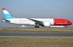 LN-LNT, Boeing 787-9 Dreamliner, 38774 / 604, Norwegian Long Haul, Unicef special tail livery, CDG/LFPG 2019-02-16, taxiway Delta. (alaindurandpatrick) Tags: 38774604 lnlnt 787 789 7879 boeing boeing787 boeing7879 dreamliner boeing787dreamliner boeing7879dreamliner jetliners airliners du nlh norstar norwegian norwegianlonghaul airlines unicef specialmarkings cdg lfpg parisroissycdg airports aviationphotography