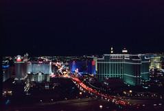 Las Vegas Strip, Nevada (Roger Gerbig) Tags: lasvegas nevada strip rogergerbig canonf1 canonfd35105mmf35 kodakelitechrome200 ed200 slidefilm 135film 35mm transparencyfilm