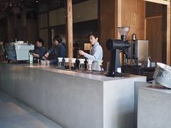 Blue Bottle Kyoto (Kyoto Japan) (Wan.L) Tags: ブルーボトルコーヒー オリンパス 藍瓶 咖啡 京都 日本 view people asia penf m43 bluebottlecoffee cafe kyoto japan olympus