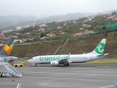 Boeing 737-8K2 - F-GZHX (jimcnb) Tags: flugzeugaircraftairplane geo:lat=3269365301 geo:lon=1677570262 geotagged santoantóniodaserra madeira portugal 2019 april