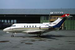 HB-VBZ_1977-11_MUC_1024_SB (stefanmuc2001) Tags: bizjet businessjet corporatejet aircraft plane flugzeug geschäftsflugzeug bosch hbvbz hawkersiddeley hs125 hs125403b 1977 kodachrome slidescan münchen munich riem flughafenriem münchenriem munichriem flughafen airport