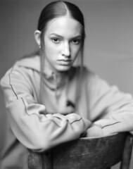 Jelena (Braca Nadezdic) Tags: analog blackandwhite bw aeroektar graflex speedgraphic kodak kodaktrix320 portrait portraits