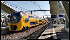 NS VIRM 9549, Arnhem Centraal - 19-04-2019 (Teun Lukassen) Tags: ns virm 9549 lekker lezen doe je de trein arnhem centraal schiphol airport nijmegen treinen trains züge