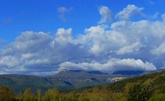 GARROTXA - PAISATGE (Joan Biarnés) Tags: garrotxa paisatge paisaje girona 311 panasonicfz1000 núvols