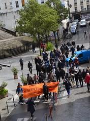 Des travailleurs qui veulent avoir les droits de tous les locataires (Jeanne Menjoulet) Tags: manif demo demonstration travailleurs ménilmontant ruejulienlacroix paris droits locataires résidence étrangers manifestation africains émigrés