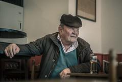 bière à midi (*altglas*) Tags: annot france pub bar café beer bière summiluxr1450