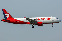 D-ABZI (PlanePixNase) Tags: london heathrow lhr egll planespotting airport aircraft airberlin airbus 320 eurowings