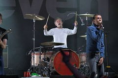 403-20180603_14th Wychwood Music Festival-Cheltenham-Gloucestershire-Main Stage-Shed Seven-L-R drums, lead vocals (Nick Kaye) Tags: wychwood music festival cheltenham gloucestershire england