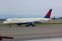 B757 N688DL Seattle Tacoma 25.03.19 (jonf45 - 5 million views -Thank you) Tags: seattle tacoma airport ksea seatac airliner civil aircraft jet plane flight aviation flying usa march 2019 delta air lines boeing 757 n688dl