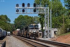 NS 119 at Cornelia (travisnewman100) Tags: norfolk southern train railroad freight locomotive emd ge sd70ace c449w es40dc signals greenville district piedmont division 119 manifest cornelia georgia