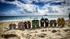 Sentiments d'être en vacances. (jeromedelaunay) Tags: sable ile island caribbean caraibes antilles france saintanne martinique familystyle family vacances holiday vacation beachstyle sand soleil sun plage beach tong